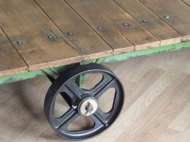 meuble industriel l 39 esprit loft vos mesures table. Black Bedroom Furniture Sets. Home Design Ideas