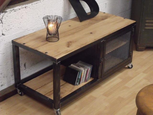 meuble industriel l 39 esprit loft vos mesures meuble loft meuble tv bois et m tal esprit loft. Black Bedroom Furniture Sets. Home Design Ideas