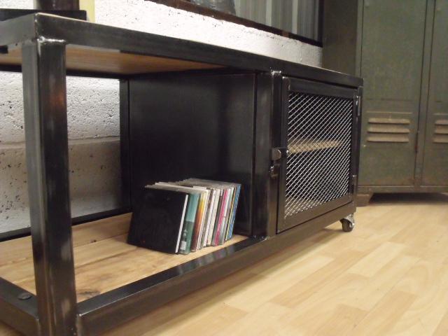 meuble industriel l 39 esprit loft vos mesures. Black Bedroom Furniture Sets. Home Design Ideas